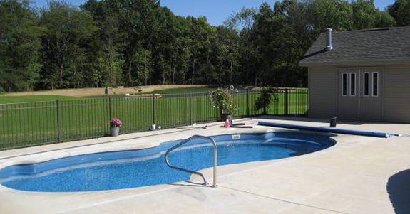 What to Consider Before Having A Backyard Swimming Pool Installed